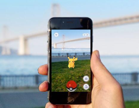 Pokemon Go mobiilipeli käyttää AR-teknologiaa